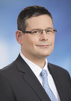 Dr. Kósa Ádám